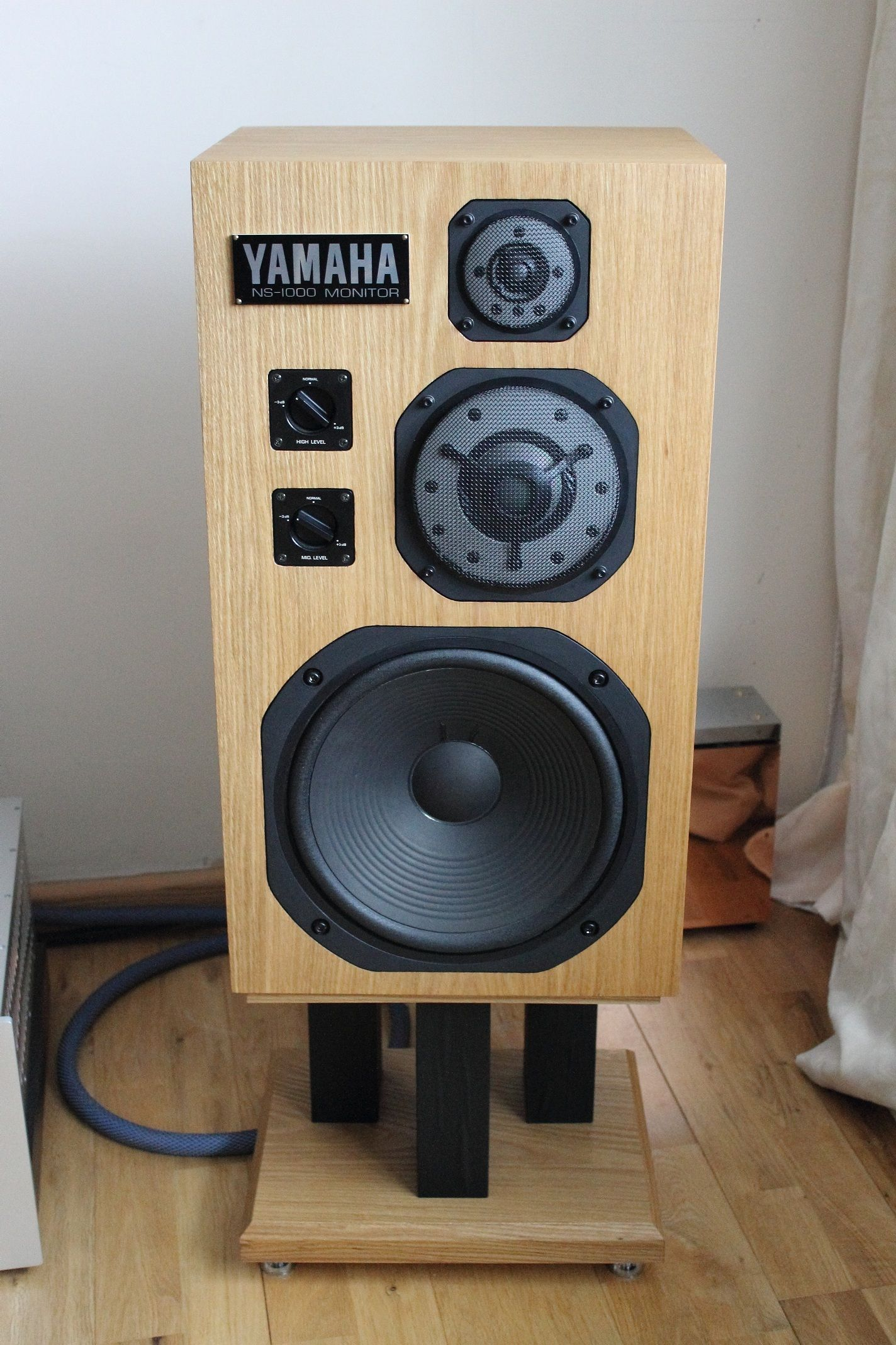 Yamaha NS1000M Loudspeakers... In Oak! Hoparlörler