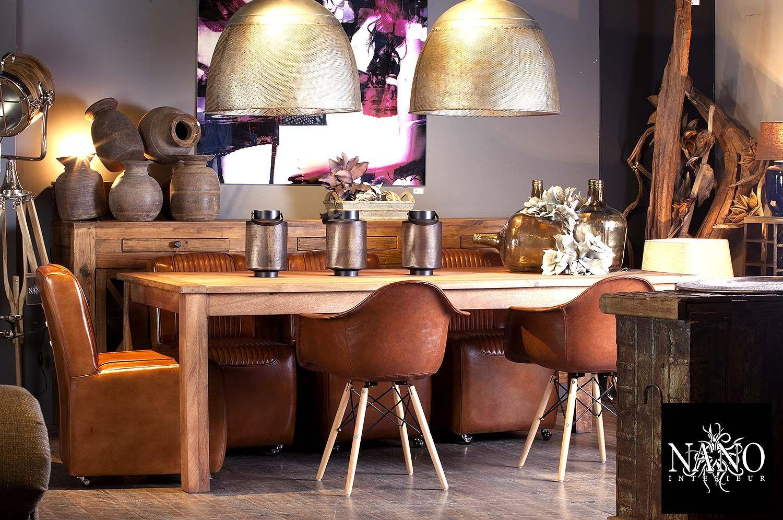 Cognac Kleurige Eettafel Stoelen.Sfeervolle Eetkamer Met Cognac Kleurige Stoelen En Glanzende
