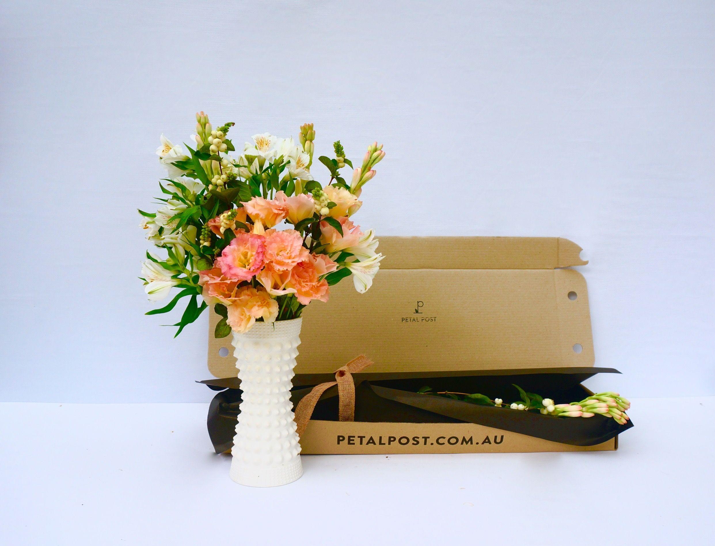 Lisianthus, Tuberose, Snowberry, Alstro Flower service