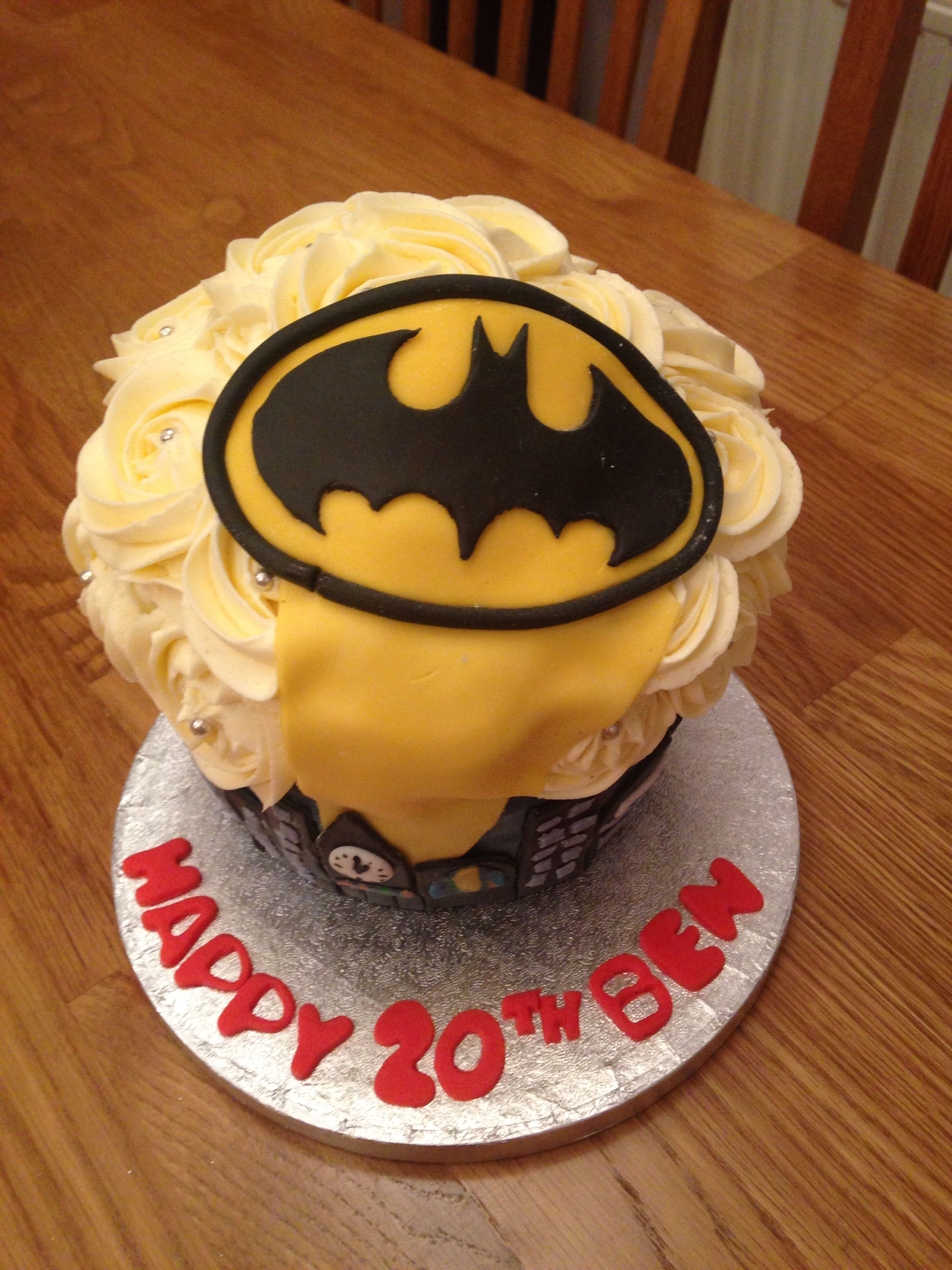 Batman Giant Cup Cake