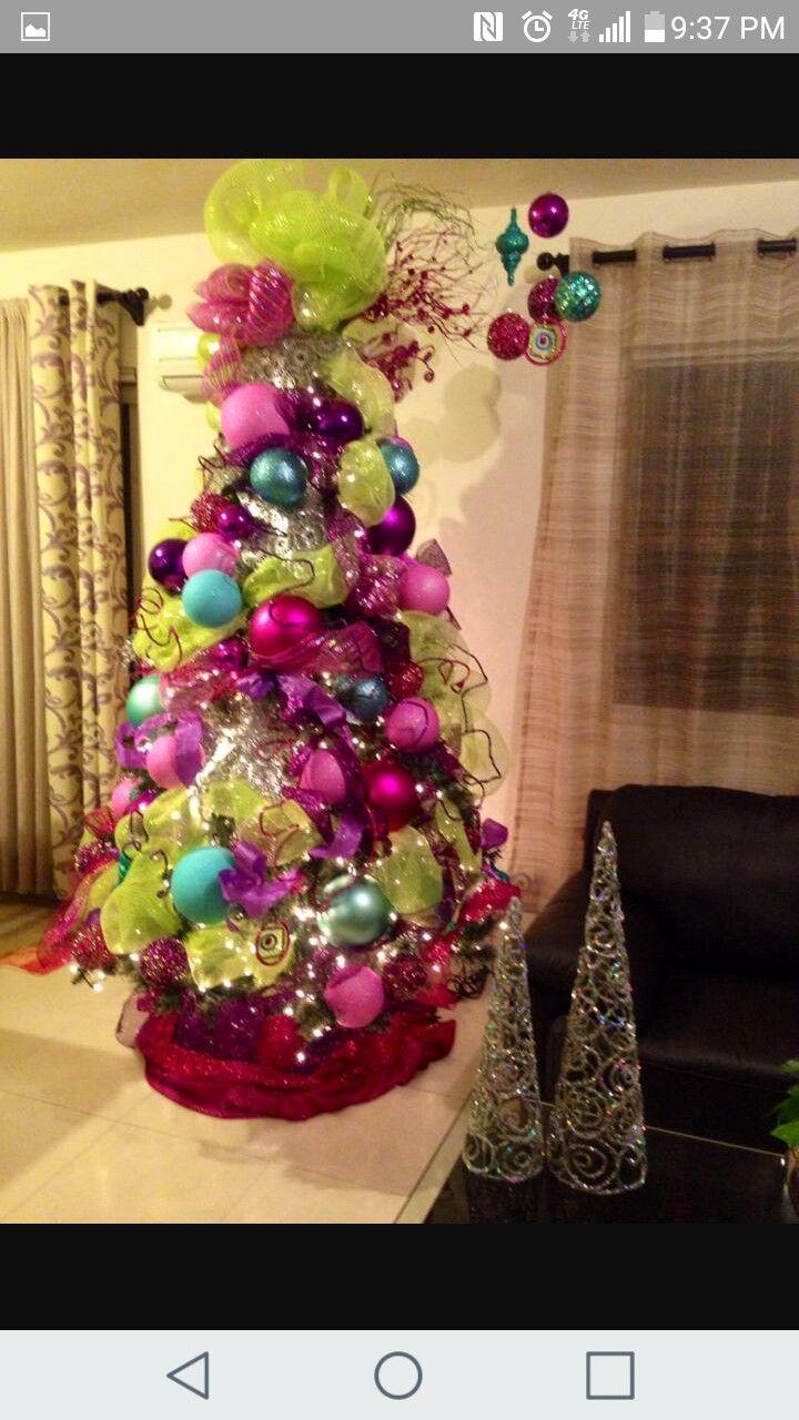 Pin By Keisa Robles On Decoracion De Navidad Affordable Christmas Decorations Big Christmas Tree Christmas Tree Ornaments