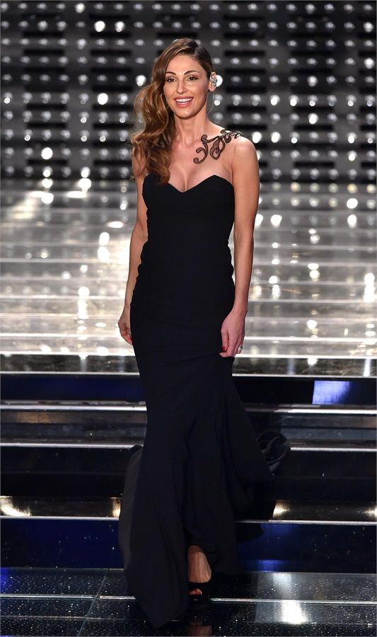 8d29e89b57a7 Anna Tatangelo Italian Beauty