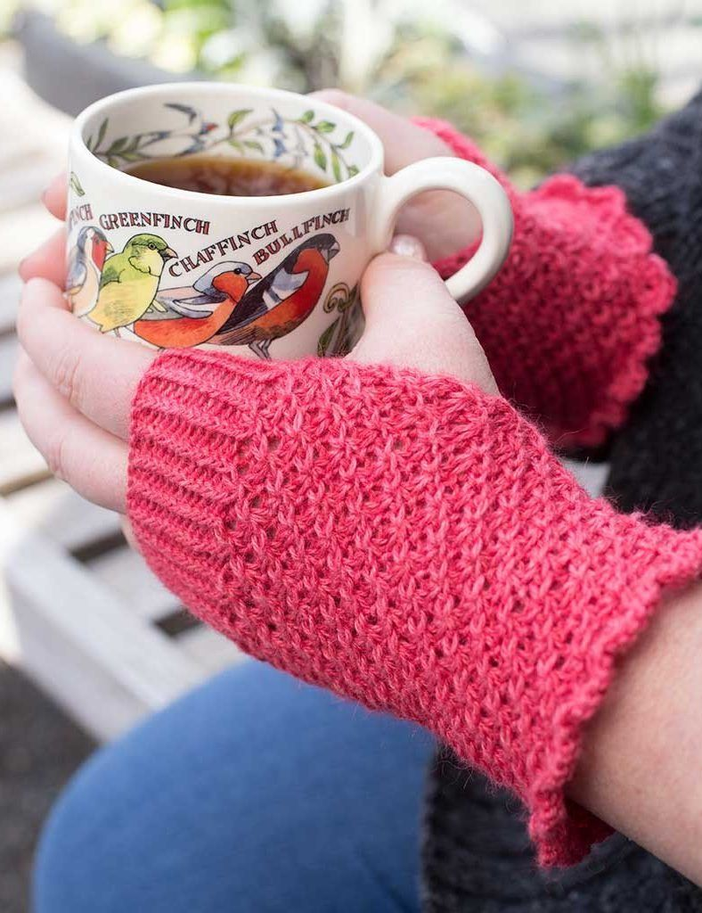 Fingerless Mitts and Gloves Knitting Patterns | Scalloped edge ...