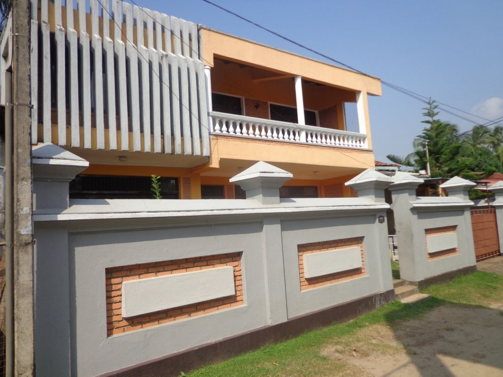House Designs With Parapet Walls House Fence Design Exterior Wall Design Wall Design
