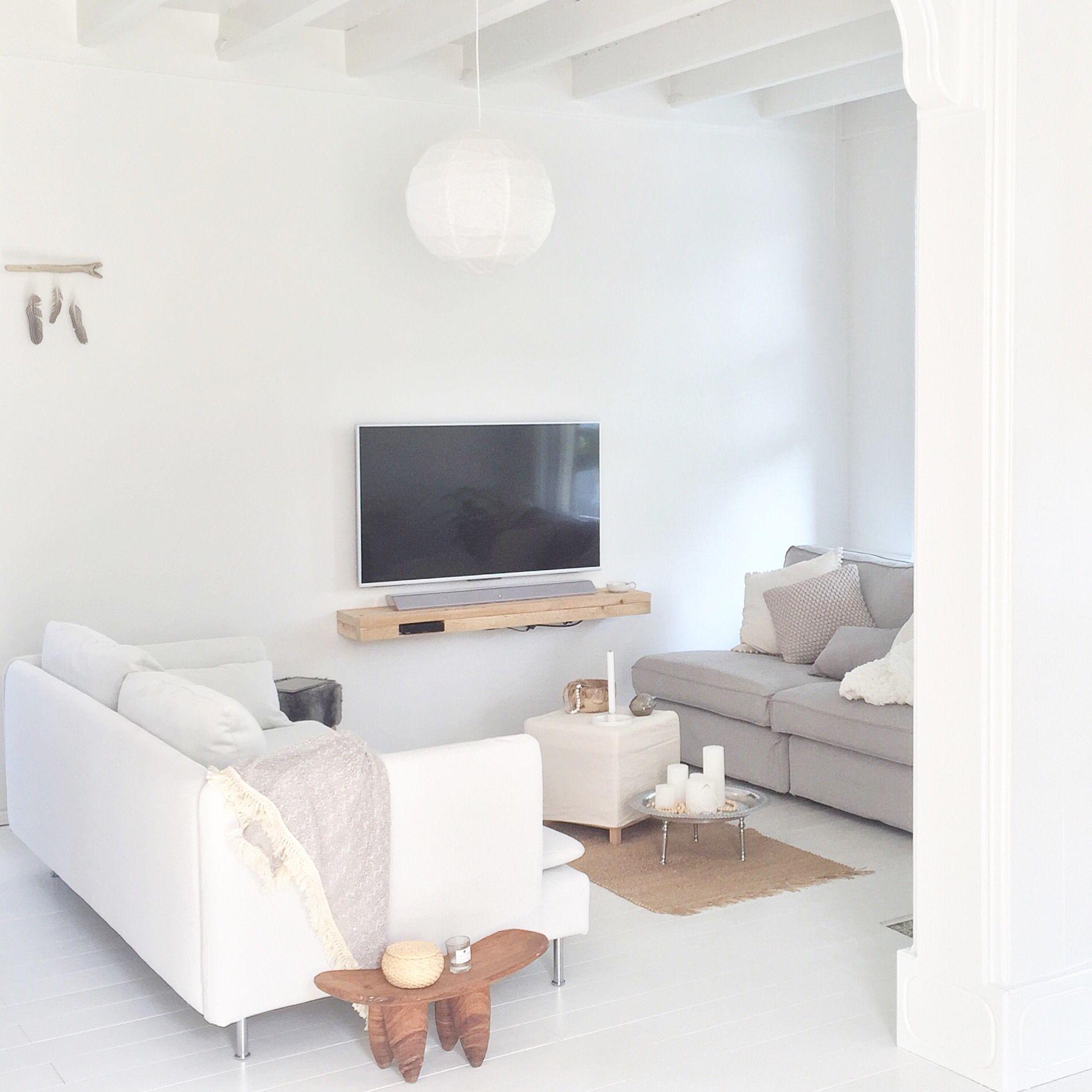 Livingroom - www.instagram.com/interiorbylau