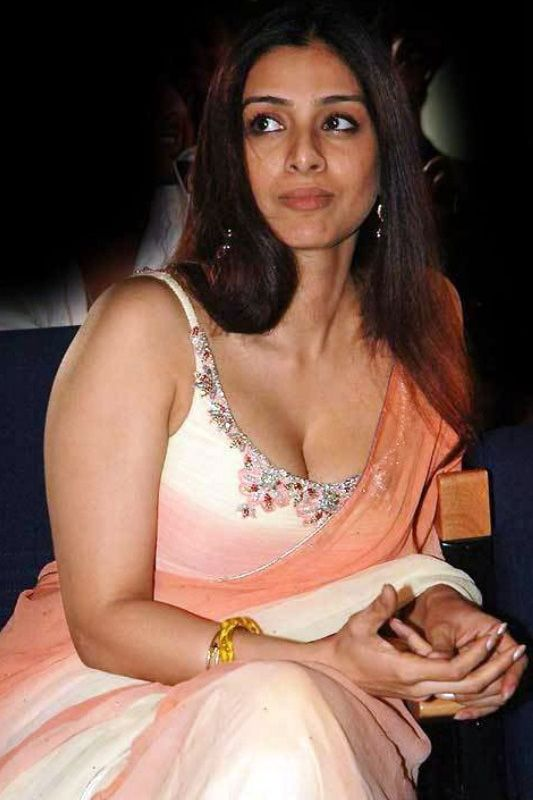 Bollywood Babes Saree Slip Up Moments  South Indian