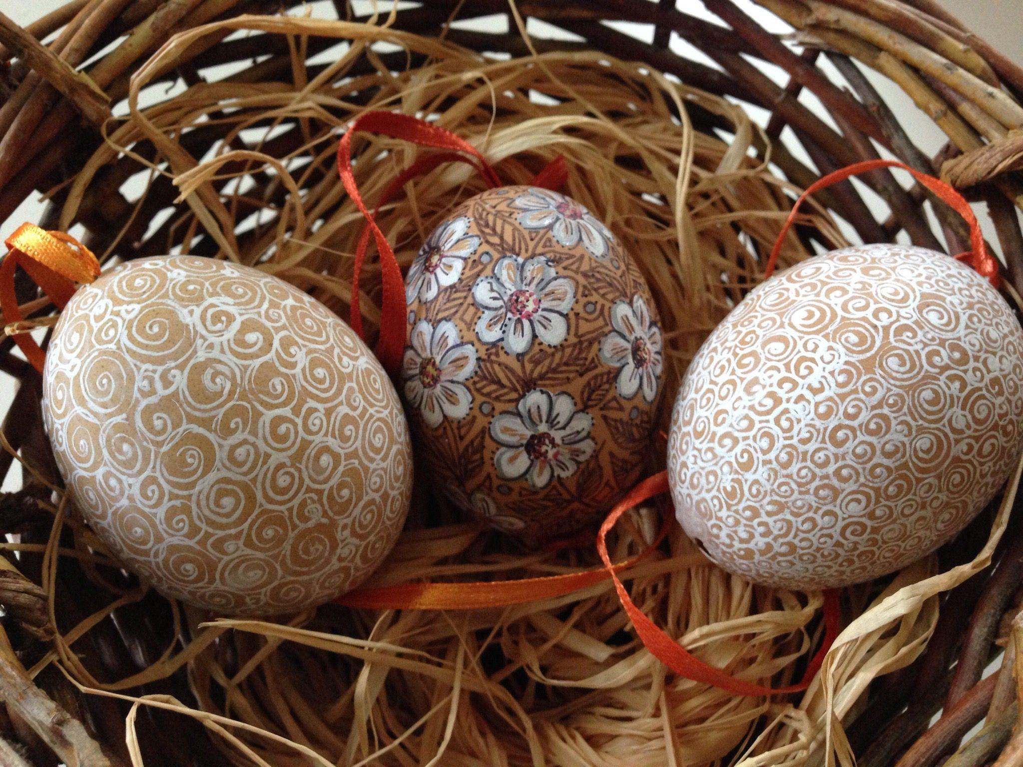 Gabriele Starke: Painted eggs using Sharpies