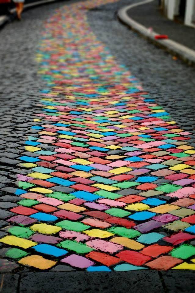 Pin By Teuni Teunissen On Street Art Sidewalk Art Umbrella Art Rainbow Aesthetic