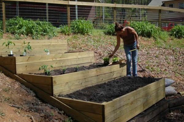 Garten Am Hang Anlegen Beet Terrassen Gartengestaltung | Garten ... Terrasse Im Garten Herausvorderungen