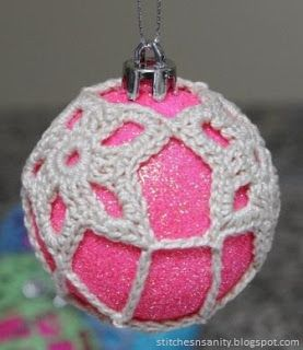 Stitches and Sanity: Free Pattern: Christmas Bauble #3