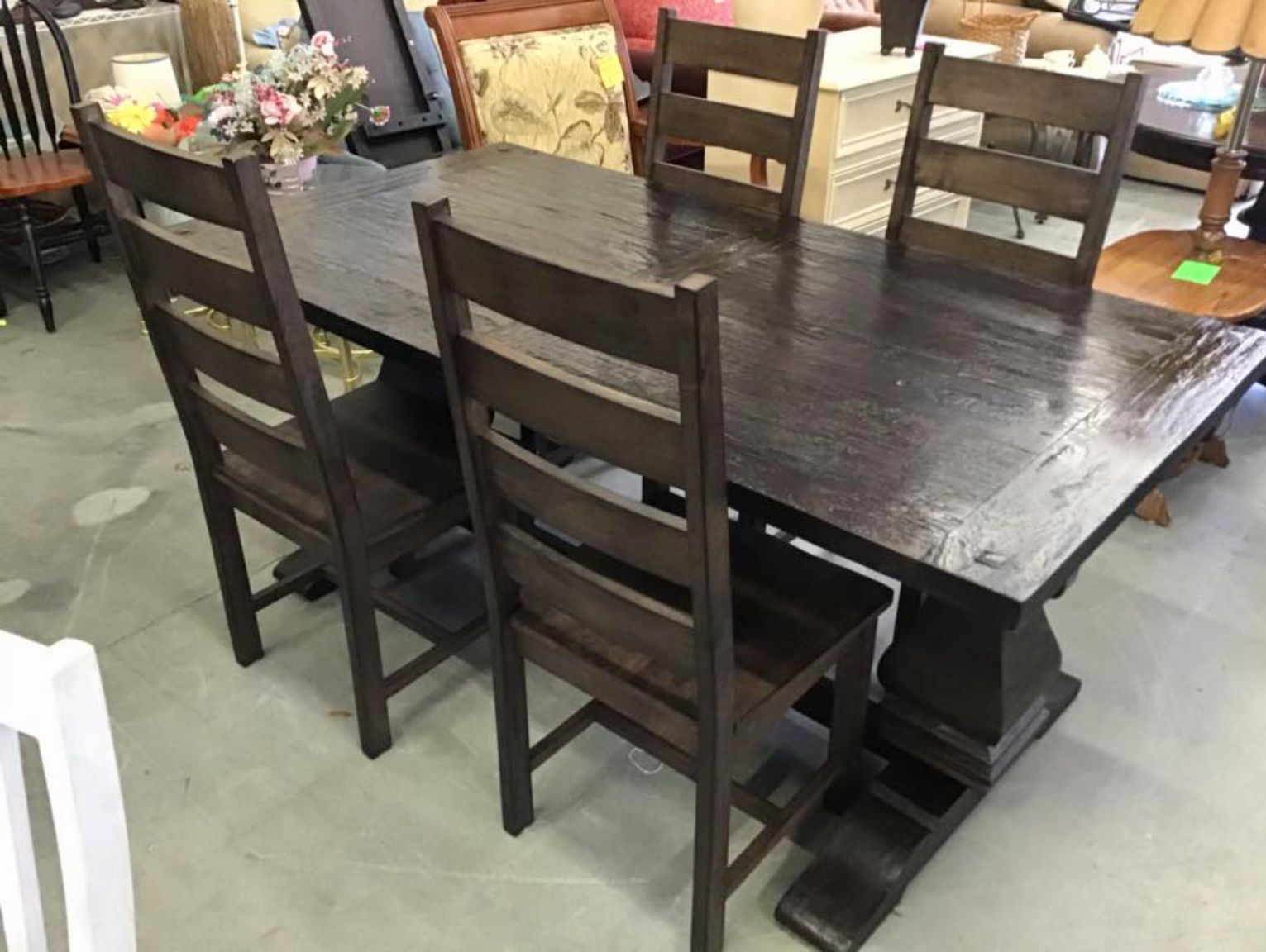 Worldmarketextensiontable4chairs Great On This Very Gently Used World Market Extension Table With Four Chairs These Garner Run New 279 00 For
