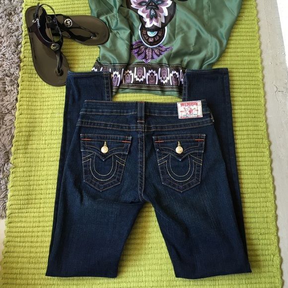 """True Religion Jodie Jeans Like new condition. No stains, rips or faded. These are a bit to long for me, I prefer to sell them. Inseam 32"""". Gorgeous pair of jeans. Straight leg. True Religion Jeans Straight Leg"""