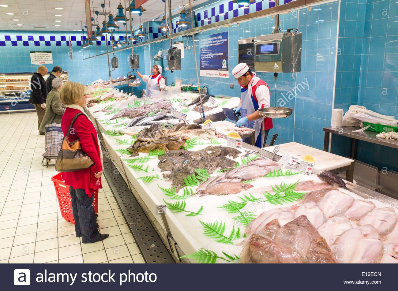 Fresh Fish Counter At Alcampo Supermarket Madrid Spain Stock Photo Fishmonger Peixaria Fish Supermarket Fresh Fish