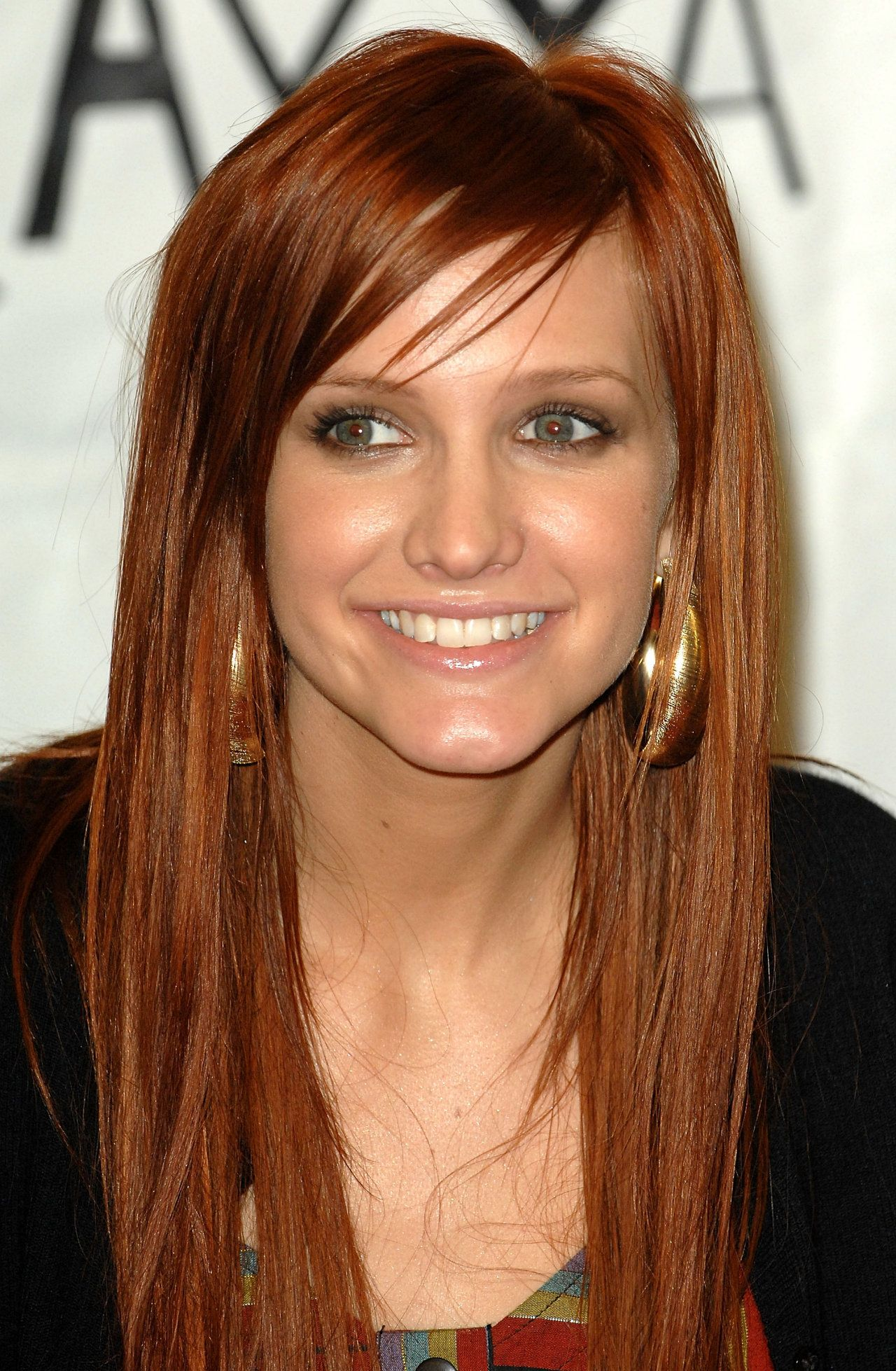 Ashlee Simpson S Red Long Hairstyle Long Hair Styles Red Hair Color Hair