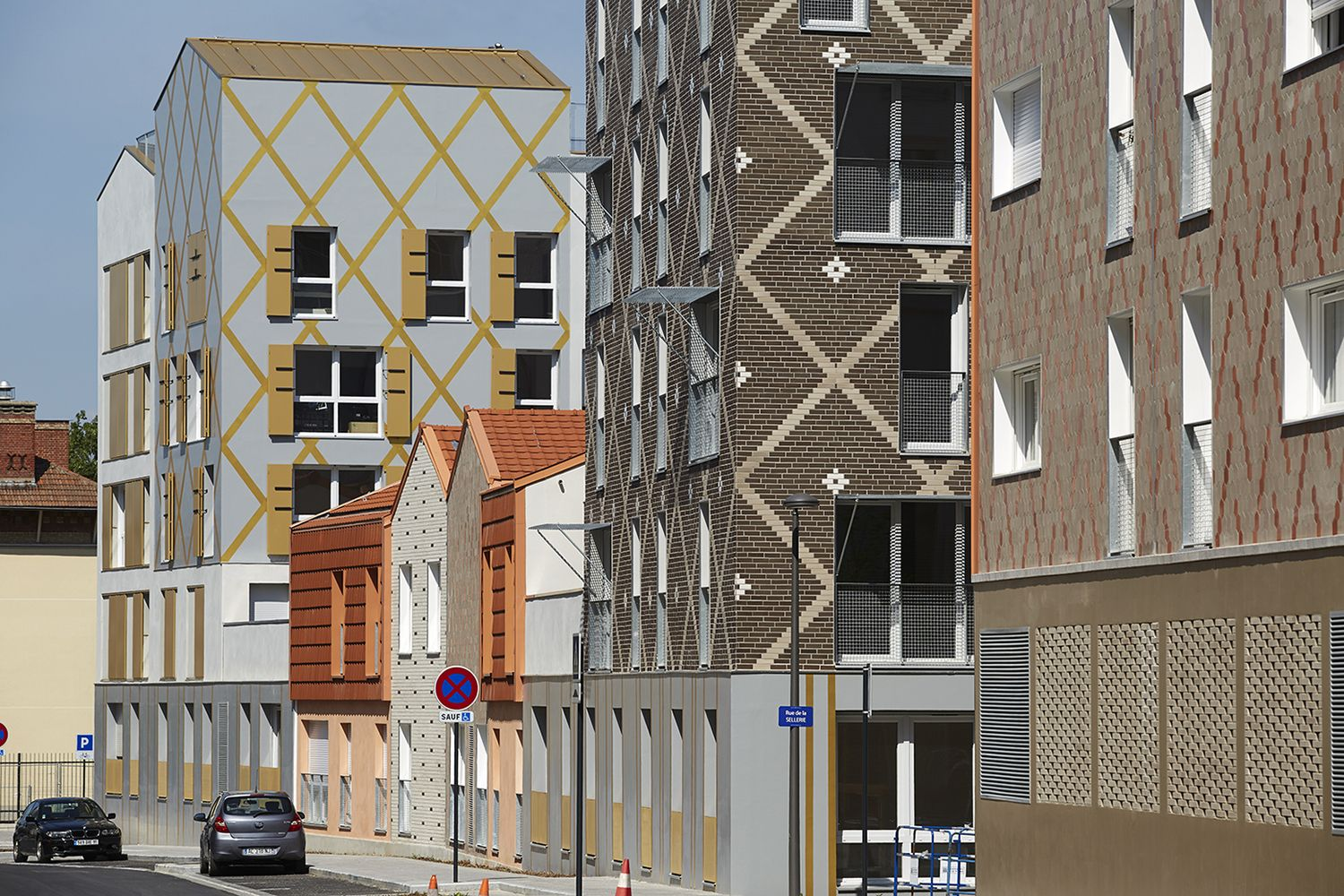 Pontoise Housing / PLAN 01