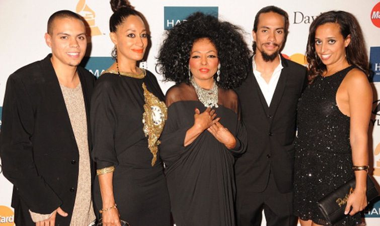 my fabulous siblings and delicious mother tracee ellis ross mommy files diana ross. Black Bedroom Furniture Sets. Home Design Ideas