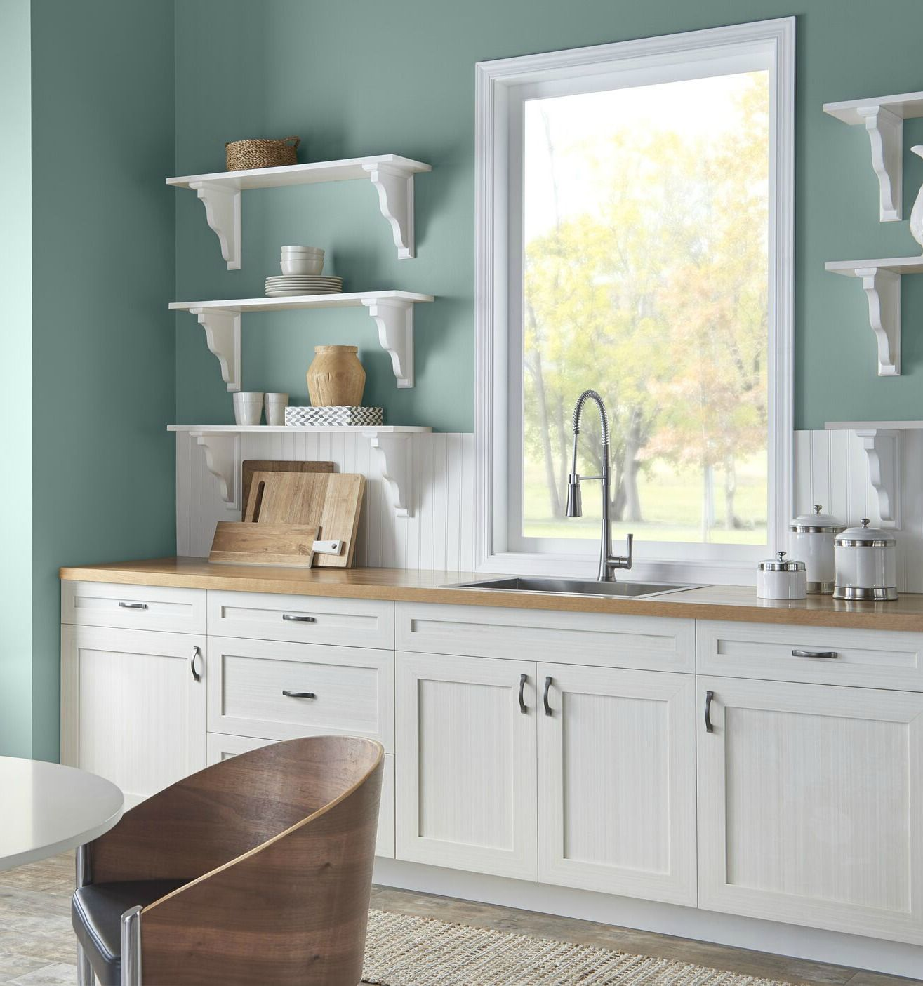 Pittura Stanza Da Letto behr-in-the-moment-in-a-kitchen-with-white-country-style