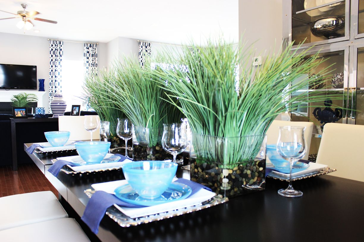 #tablescapes #homedecor #blue #decoraccents #placesettings #modern #contemporary
