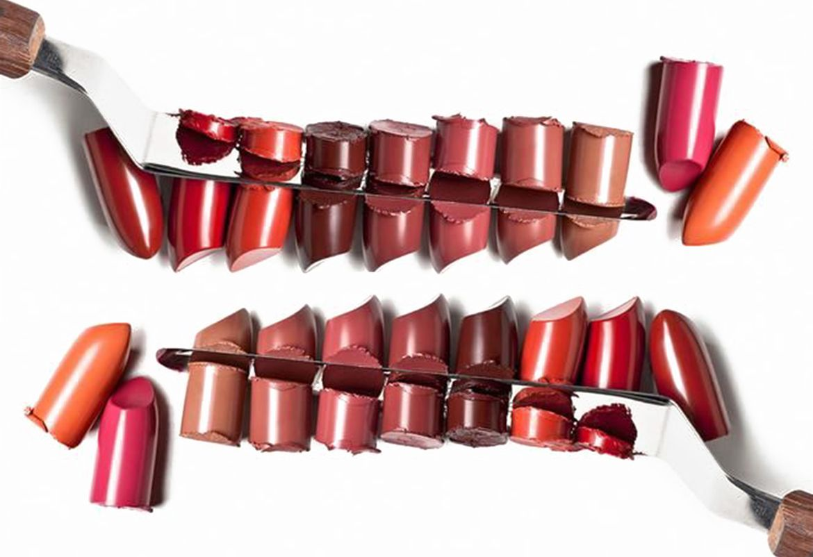 Product Series: Lips! All you need to know about different formulas, finishes, latest cult favorite brands and plenty of tips and tricks... #lipstick #makeup #beauty #sephora