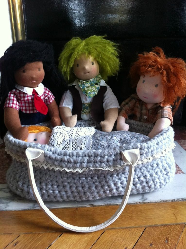 "Couffin "" serial crocheteuses "" - dollsfever"