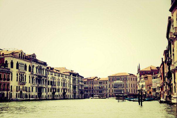 Прогулка на катере - обязательная часть венецианского исследования!  По вопросам взаимодействия - обращаться к журналисту: e-mail - gersch.nuhdelmann@gmail.com Skype - gersch.nuhdelmann