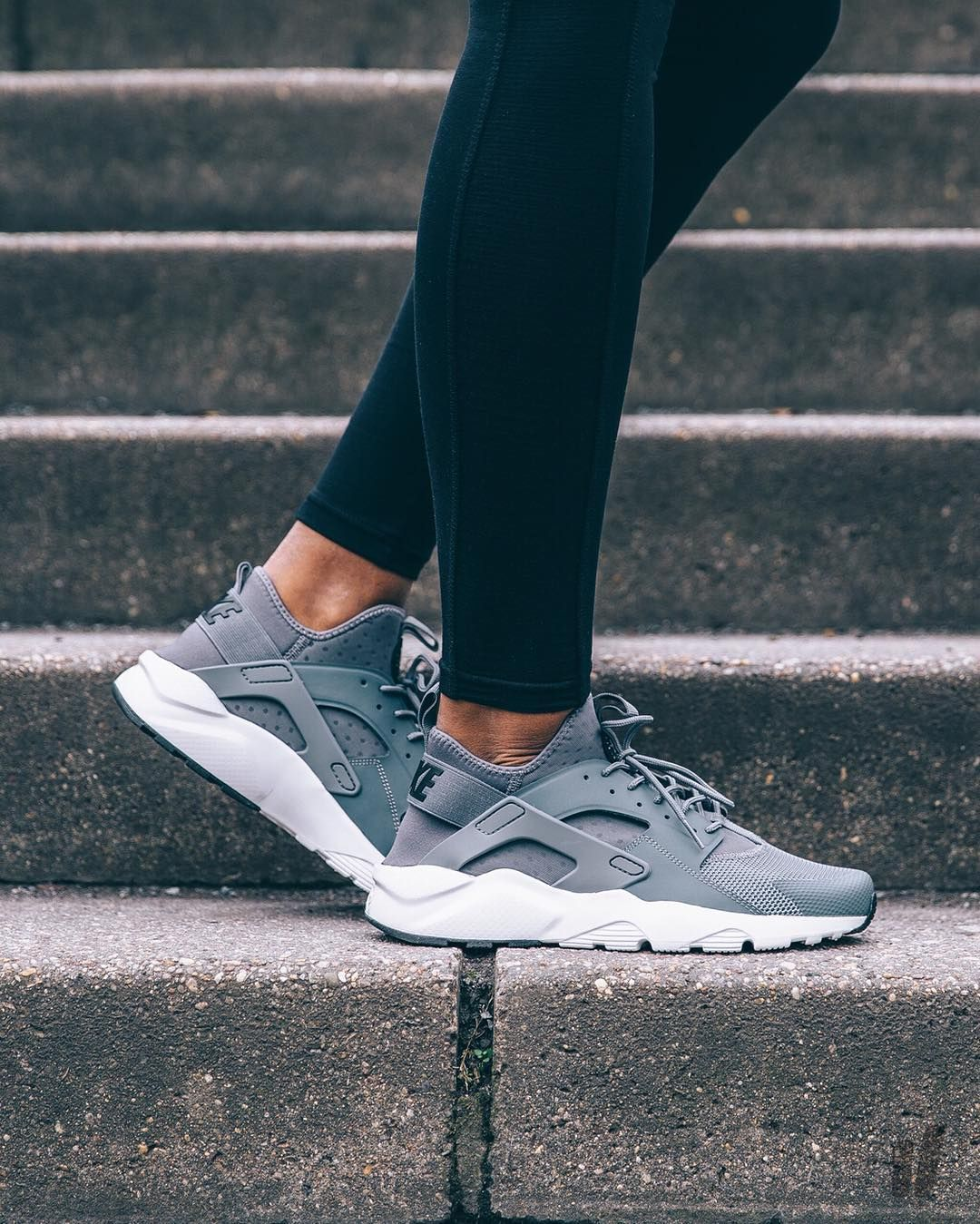 nike air huarache run damen grau