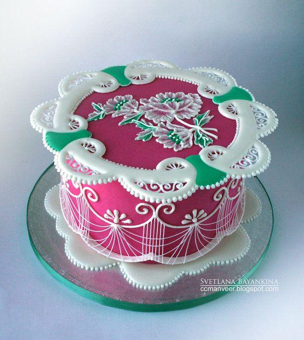 Kauniin koristeellista kakkutaidetta!  #äitienpäivä #äitienpäiväkakku #kakku