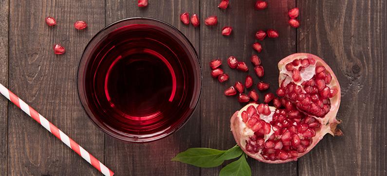 شاي و قشر الرمان المطحون فوائد و اضرار و كيفية استخدامه بشرة وشعر Anti Oxidant Foods Healthy Juices Pomegranate Juice Benefits