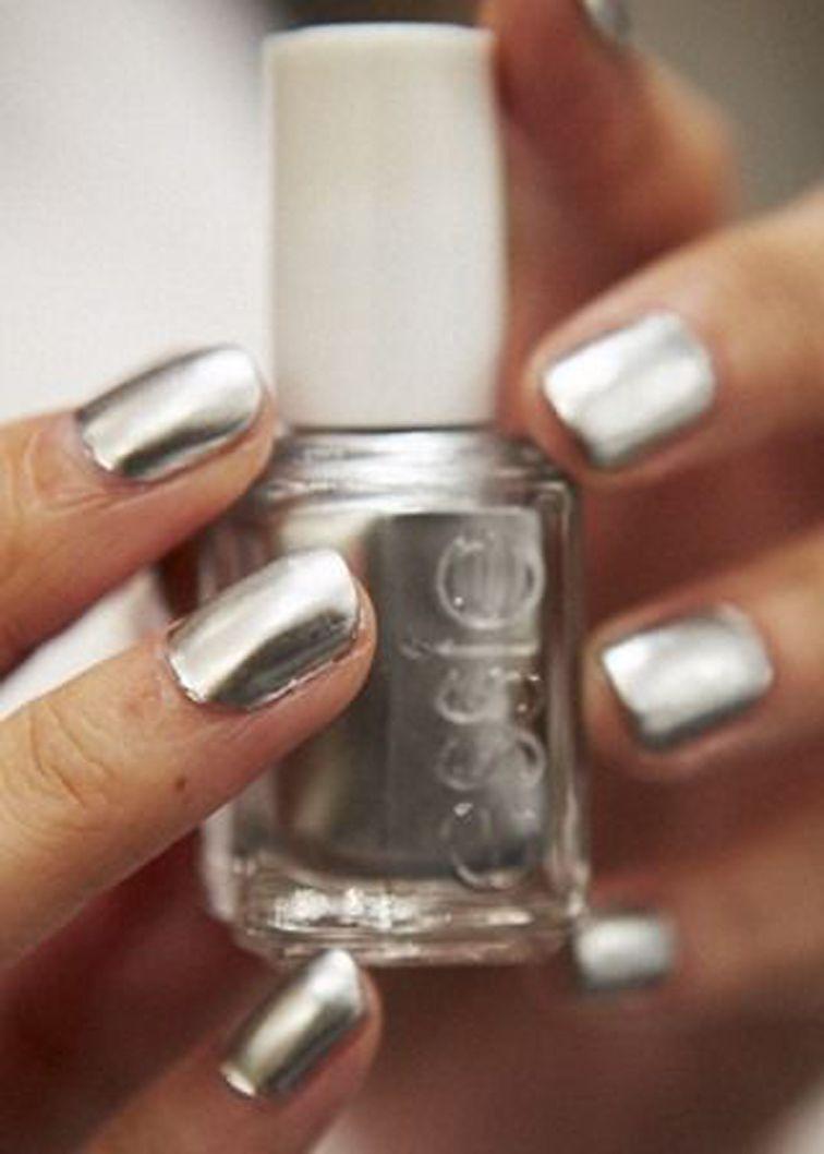 Essie nail polish Mirror Metallics collection, No Place Like Chrome ...