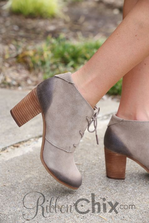 99f086ef02c TOMS Lunata Lace-Up Booties (Desert Taupe Burnished Suede)