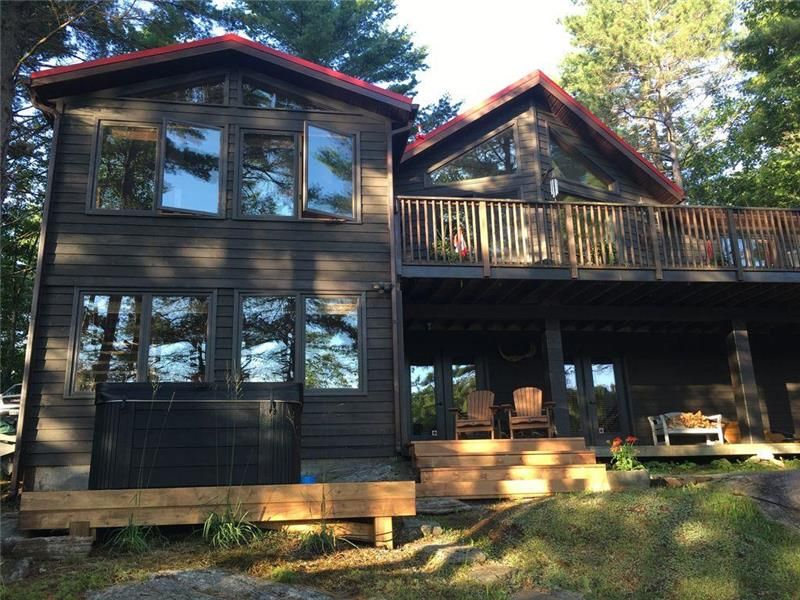 Wondrous Spectacular Cottage In Muskoka Gravenhurst Cottage Rental Download Free Architecture Designs Scobabritishbridgeorg