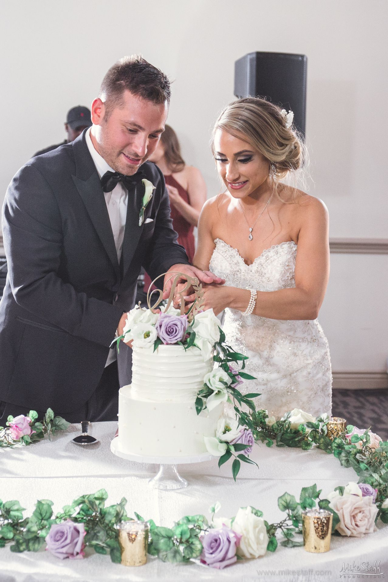 Have you read how to hire a GREAT DJ? in 2019 | Wedding Reception