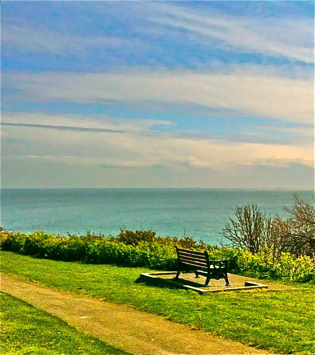 Folkestone yesterday, I jacked up the 'saturation button thingy' and this is what I got :)