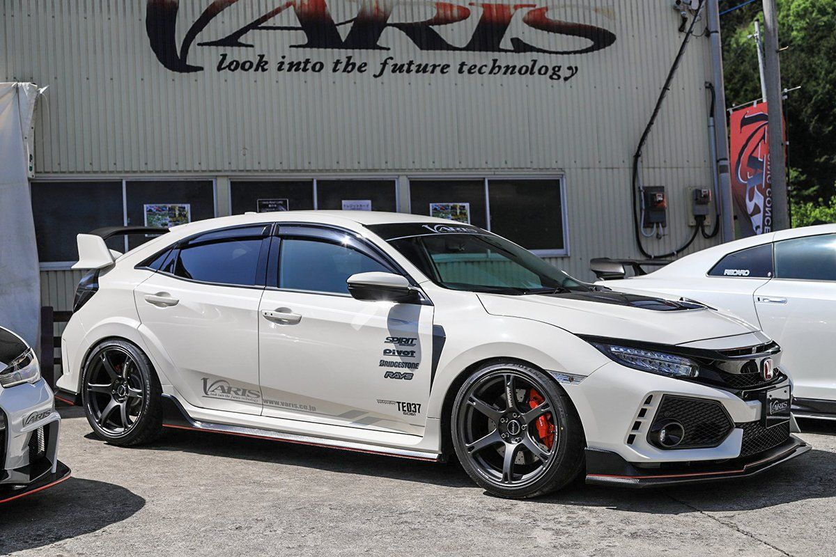 Varis Rear Fender Trim Frp Honda Civic Type R Fk8 17 Complete The Look Of Your Rear End With The Varis Fender Finishe Honda Civic Type R Honda Civic Honda