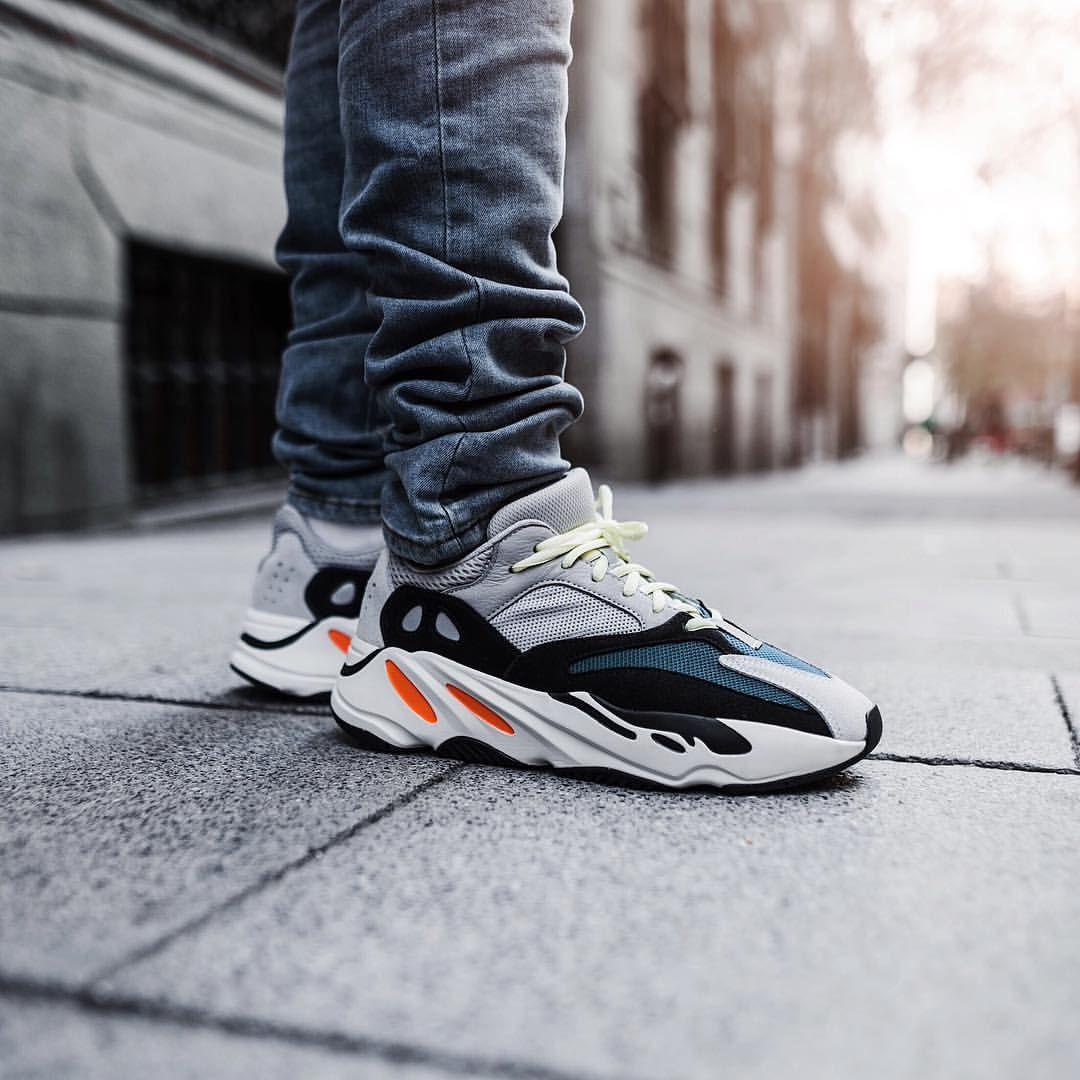 adidas Yeezy 700 W   Sneakers outfit