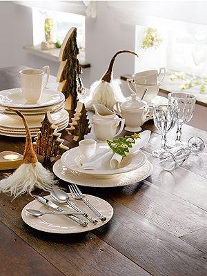 Tischdeko Fur Weihnachten Tischdekoration In Braun Und Weiss