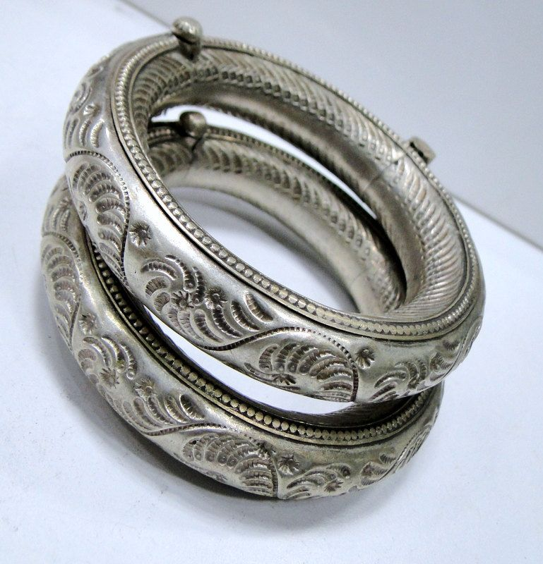 india pair of old silver anklets from rajasthan 560
