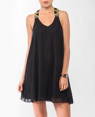 Vestido negro con tiras artesanales