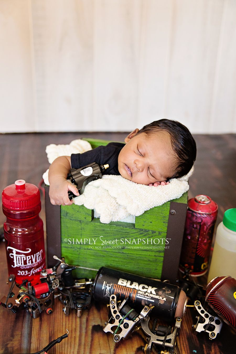 Newborn session tattoo shop Newborn poses, Newborn