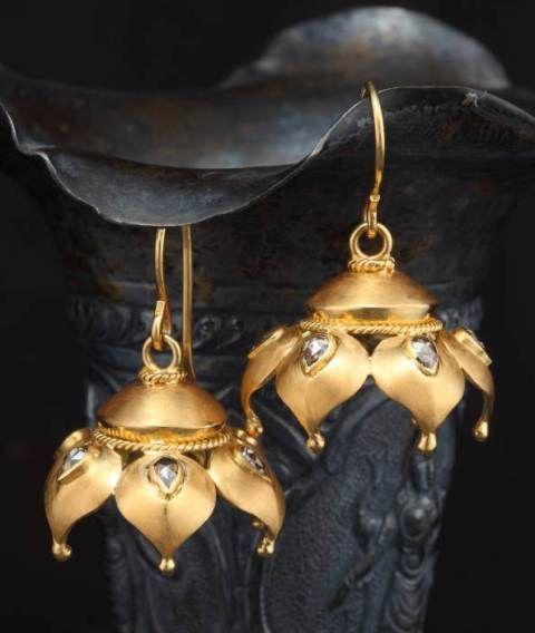 golden earring petal design Jewels Pinterest Golden earrings