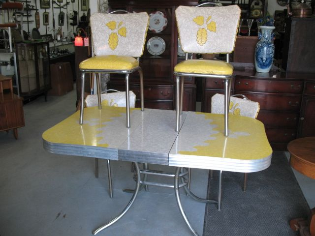 Remarkable 1950S Vintage Table And Chairs 1950S Chrome And Formica Home Interior And Landscaping Mentranervesignezvosmurscom