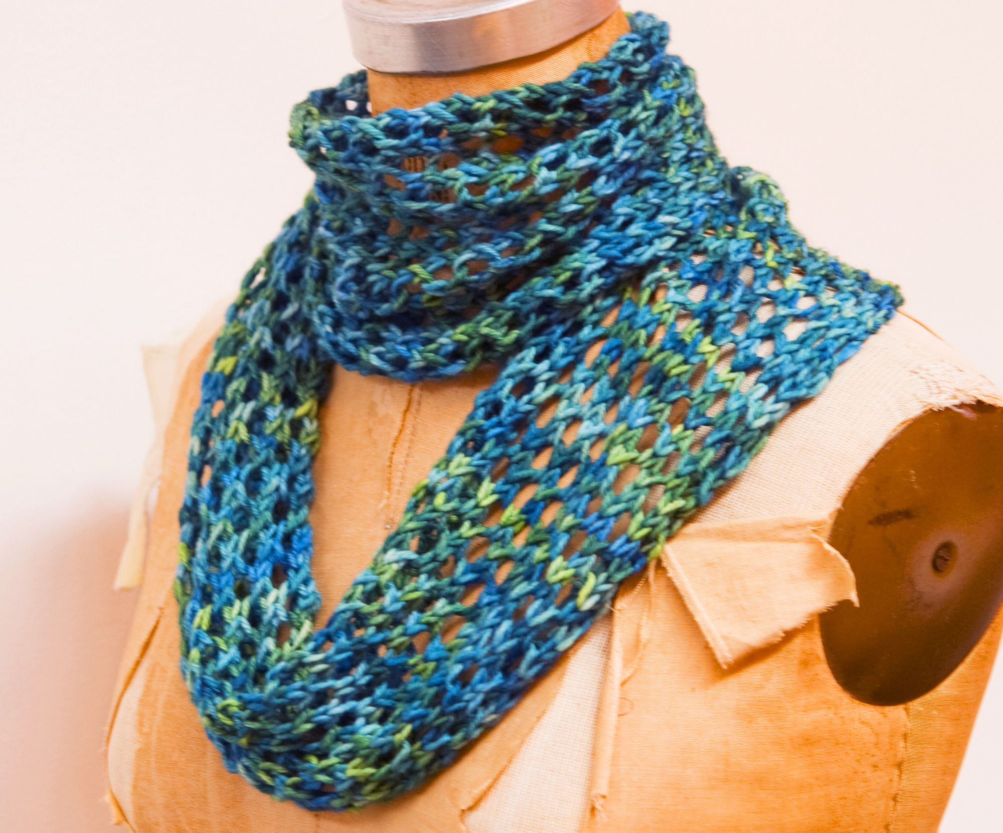 Knitting Patterns For Scarves On Pinterest : Easy Trellis Lace Scarf (Knitting) Knitting and Crochet Pinterest Scarv...