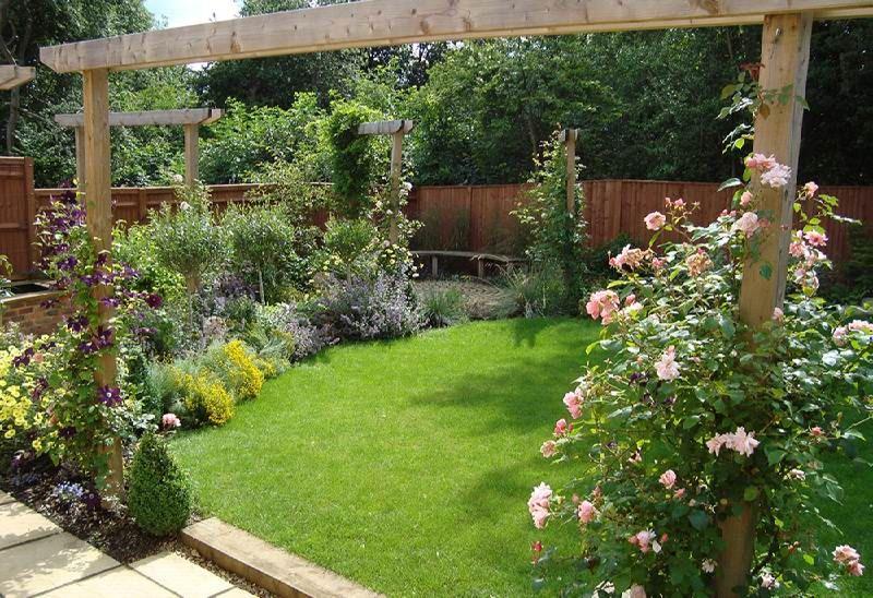 Design Layouts For Small Gardens Modest Backyard Style Daily Interior Architecru Garden Design Layout Landscaping Small Garden Design Traditional Garden Design
