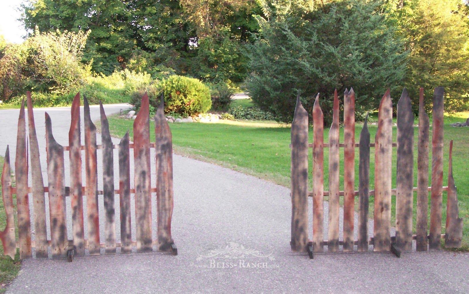 Pallet Halloween Props Halloween Fence Pallet Halloween Diy