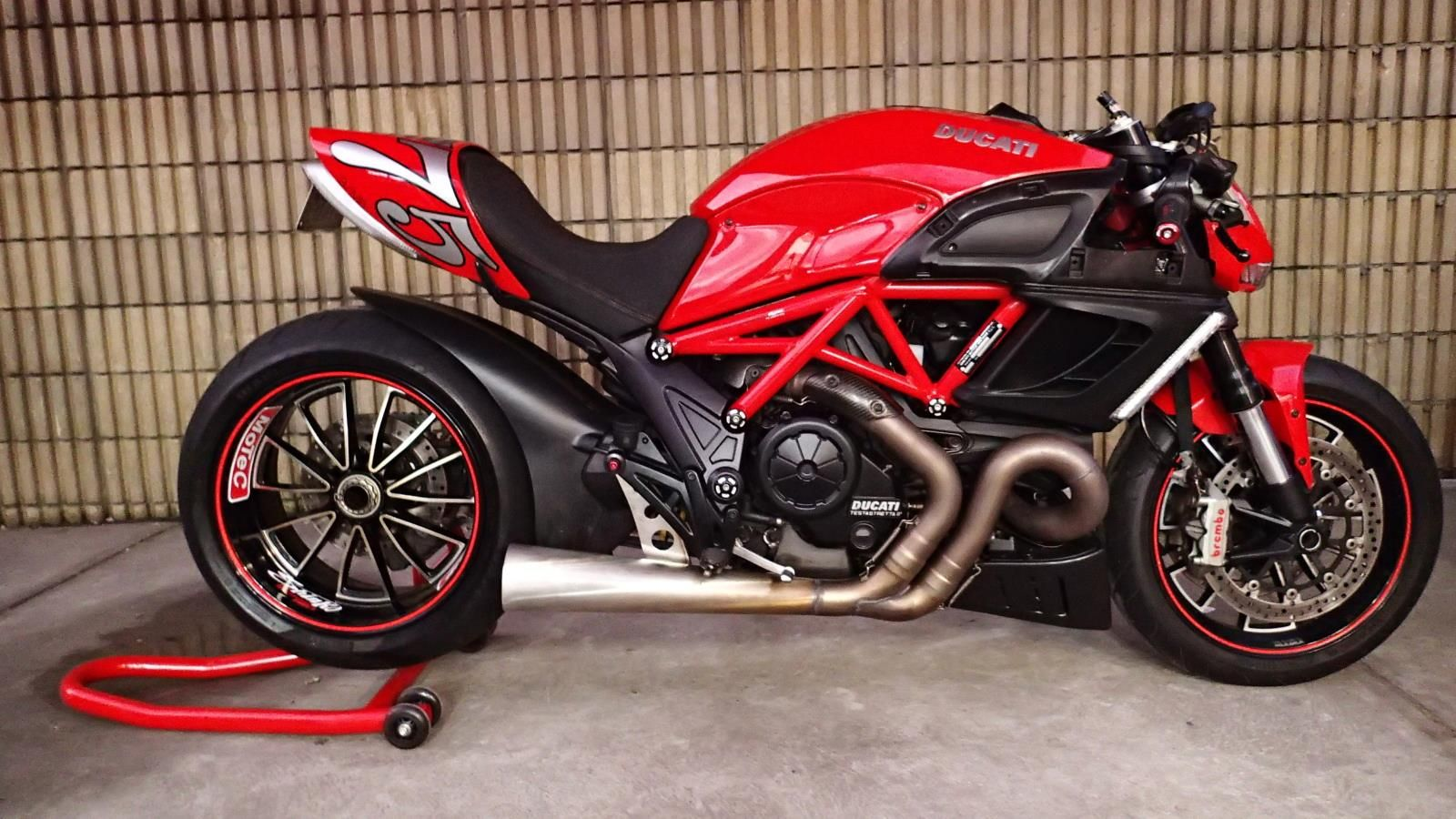 ducati diavel turbocharged by wayne patterson 39 s motorcycle. Black Bedroom Furniture Sets. Home Design Ideas