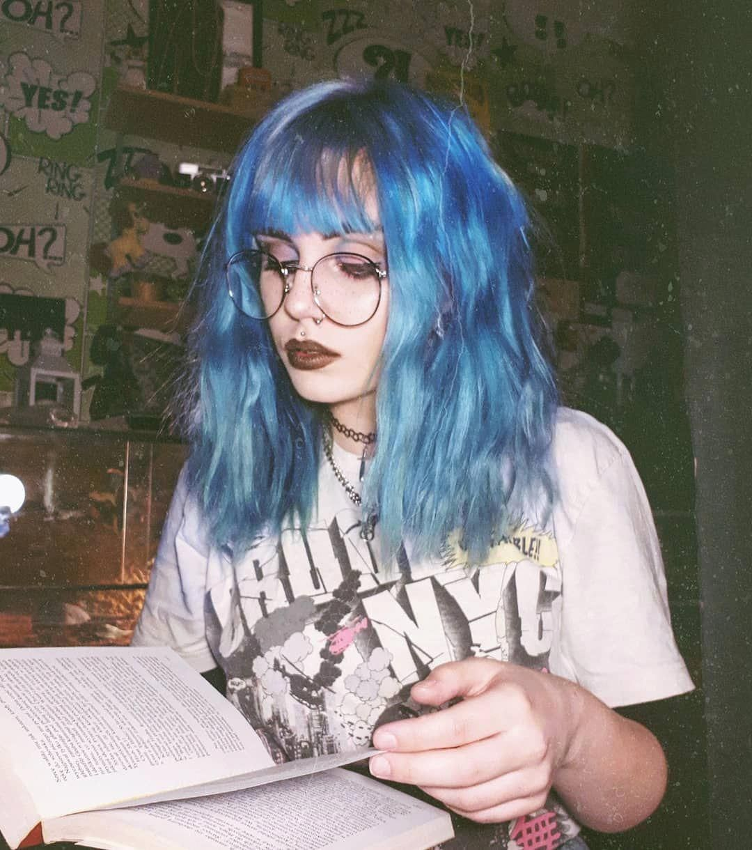 Pin By Erinnnnn On Piercings With Images Blue Hair Aesthetic Aesthetic Hair Short Blue Hair