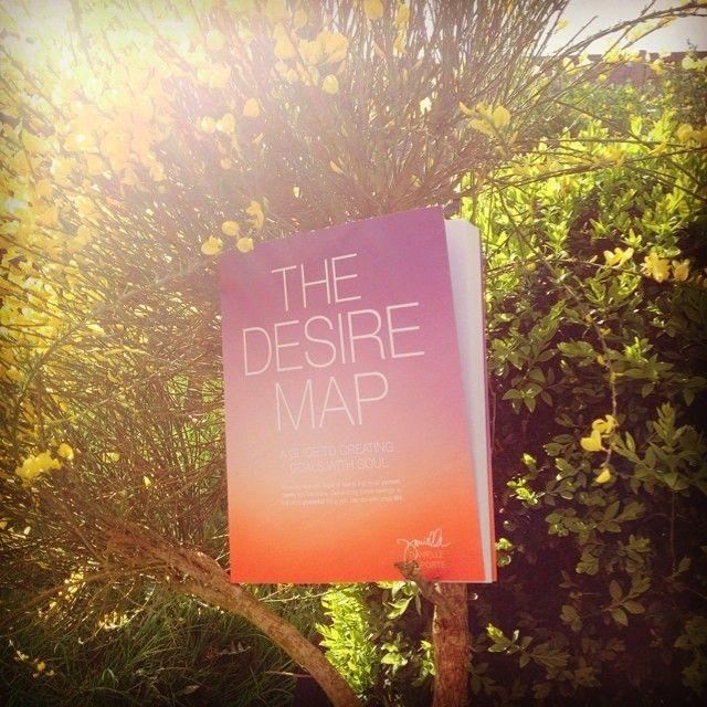 Do books grow on trees? :) Va viram uma árvore q dá livros? :P #DesireMap @vivianbidwell - via http://iconosquare.com/p/752339090034427084_1372217336