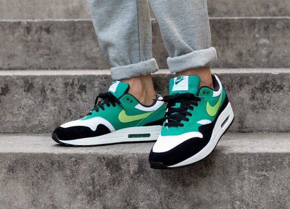 nike air max 1 black green