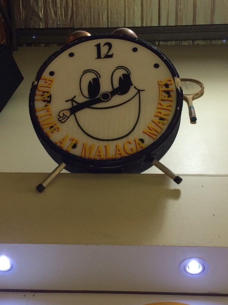 Vintage signage - Happy Clock!