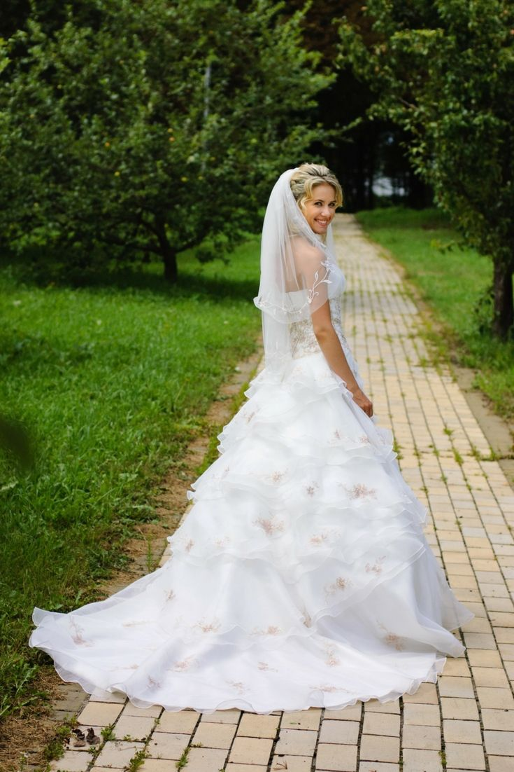 The best wedding gown catalogue hunting for the most uptodate